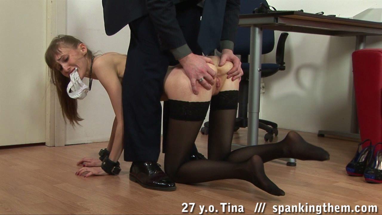 Наказал Секретаршу За Ошибки Порно